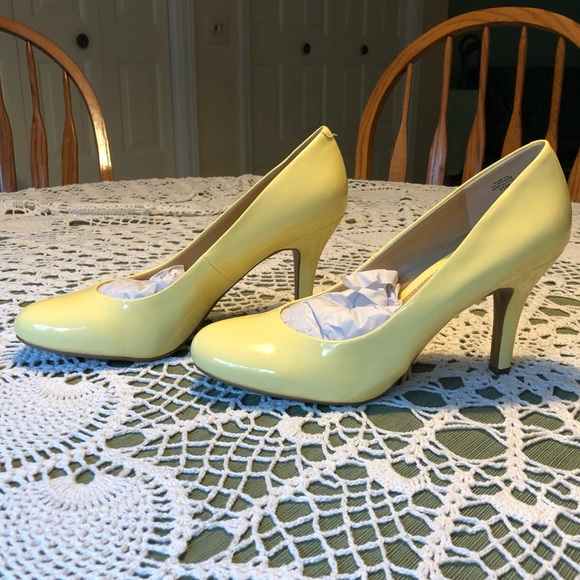 Kelly & Katie Shoes | Kelly Katie Yellow Patent Pump Heel